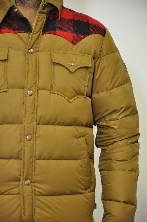 Penfield, giubbotto marrone con riporti in lana a scacco nero e rosso sulle spalle