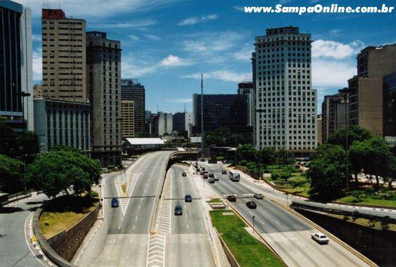 São Paulo: Praça da Bandeira, no Vale do Anhangabaú