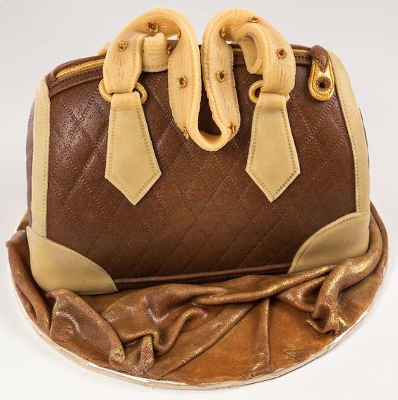 Erste Babyschuh-Torte und 2. Handtasche | Motivtorten Fotos Forum | Chefkoch.de