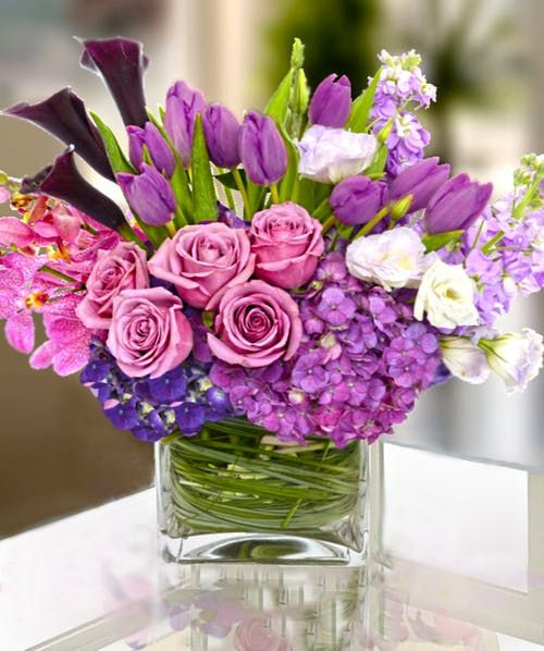 Lavender Lilac This European Custom Flower Arrangement Features Premium Lavenders Lilacs Flower Arrangements Purple Flower Arrangements Flower Decorations