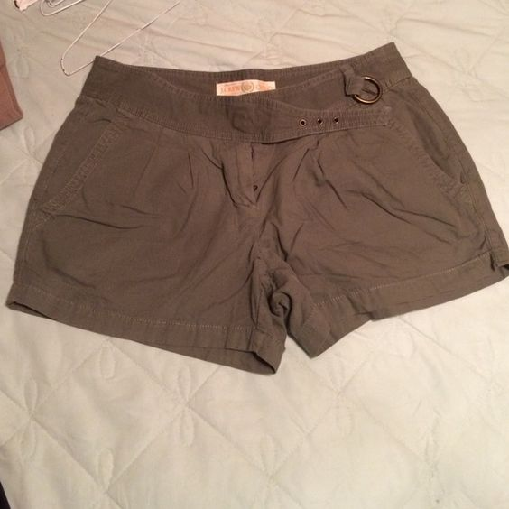 Olive green shorts Lightweight, breathable material J. Crew Shorts