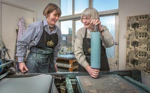 Marthe Armitage with her daughter, Joanna. #marthearmitage #printmaking #wallpaper #design