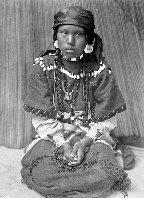 Sensational images of Native Americans from the early 1900s, by Edward Sheriff Curtis: