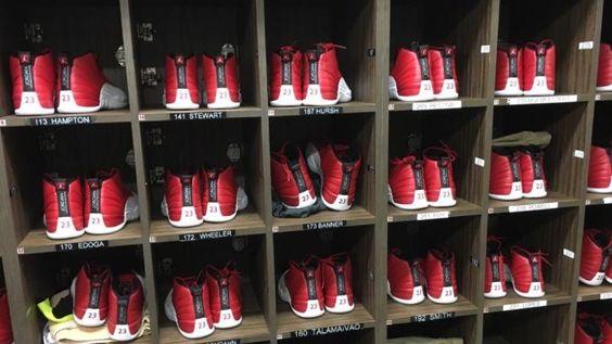 LOOK: Entire USC football team receives Jordan 12s before Alabama game