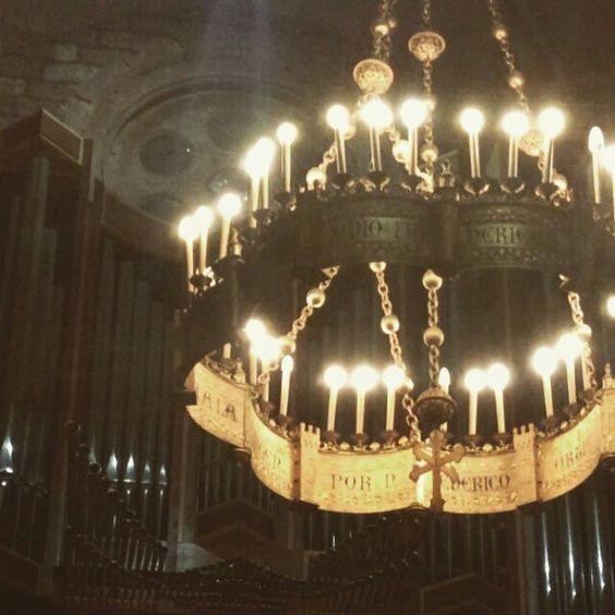 Hay lugares que hablan solos! #daphneeyyolanda #serfeliz #covadonga