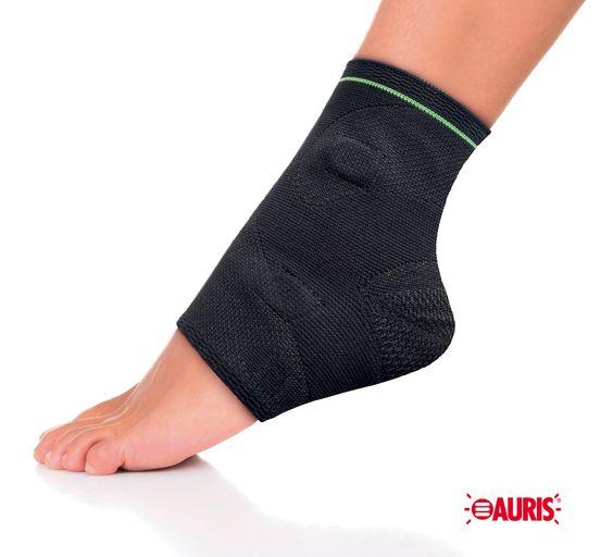 Une entorse (« foulure ») est une lésion ligamentaire par mouvement dépassé traumatique de l'articulation concernée. Elles se font le plus souvent par un mécanisme de torsion ou d'hyperextension.