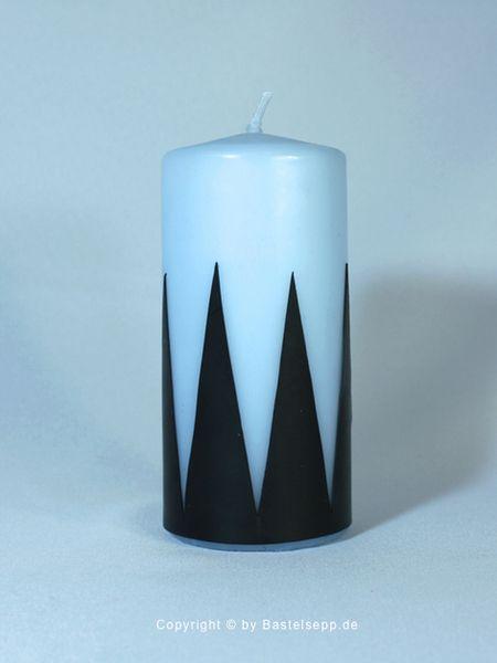 Kerze mit geometrischem Muster in schwarz/hellblau von Bastelsepp - Kerzen für jeden Anlass fertig kaufen oder mit unseren Bastelsets selber machen auf DaWanda.com