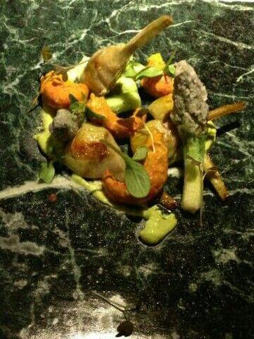 Alcachofas,trigueros y cangrejo de rio