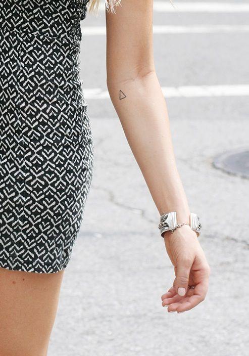 simple triangle. i love geometric tattoo designs http://tattoo-ideas.us/minimalistic/ #geometrictattoos #geometric