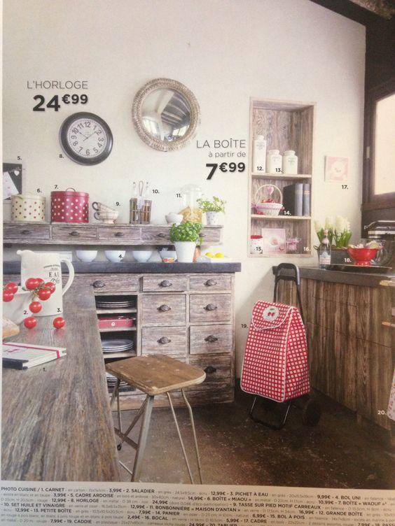 Cuisine bois mur rouge for Meuble de cuisine en bois rouge