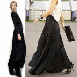 Black pleated chiffon maxiskirt