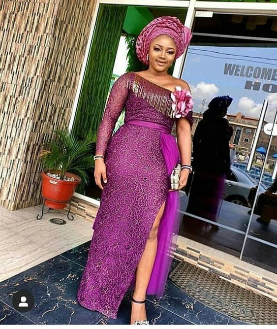 Fabulous Asoebi Styles For Wedding Guest With Images African Design Dresses African Lace Dresses African Lace Styles
