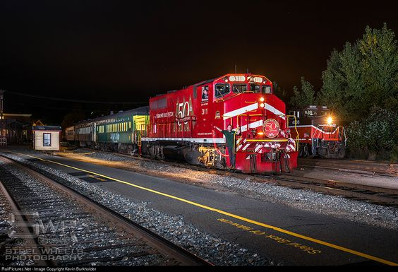 RailPictures.Net Photo: VTR 311 Vermont Rail System GP40-2W at White River…