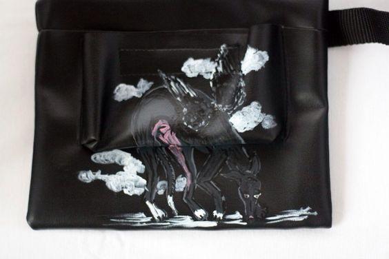 Bolsa Riñonera para chuches de los perris. Hechas y pintadas a mano con mucho mimo #adoptaungalgo #ponungalgoentuvida #pintadoamano