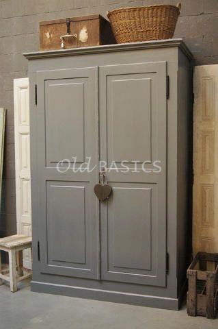 Linnenkast rustique 10112 grote linnenkast met stoere opdekdeuren in een midgrijze kleur met - Kleur voor een entry ...