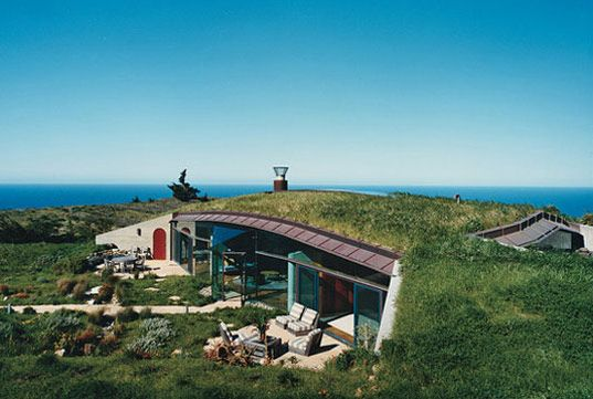 ❧ Cooper Point - Energy efficient house which blends into landscape. The roof is part of the garden. This house is off the grid, and, given its design, is able to be powered completely by solar panels.: