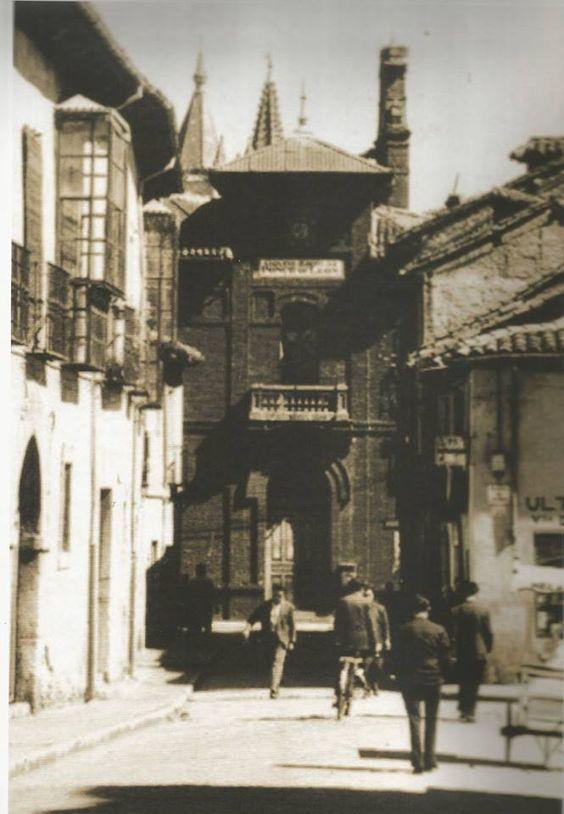 Colegio Ponce de León desde el Arco de la Cárcel.