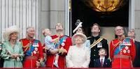 Resultado de imagen para prince George al balcony buckingham palace for trooping of colour 2015