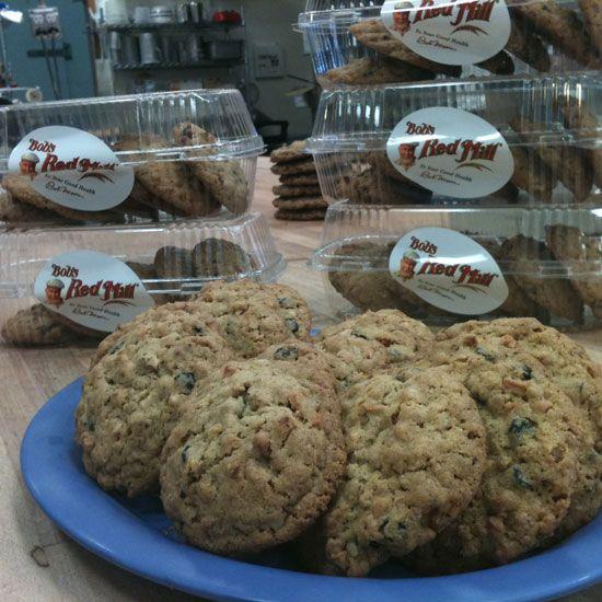 Whole-Grain Apple Blueberry Granola Cookies Recipe: Cake Cookies, Bob, Cookies Bars, Brownies Cookies, Cookies Recipe, Cookies Food, Food Cookies, Cookies Courtesy