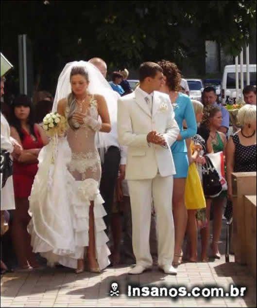Meninas, vocês teriam coragem de usar esses vestidos no dia do casamento?
