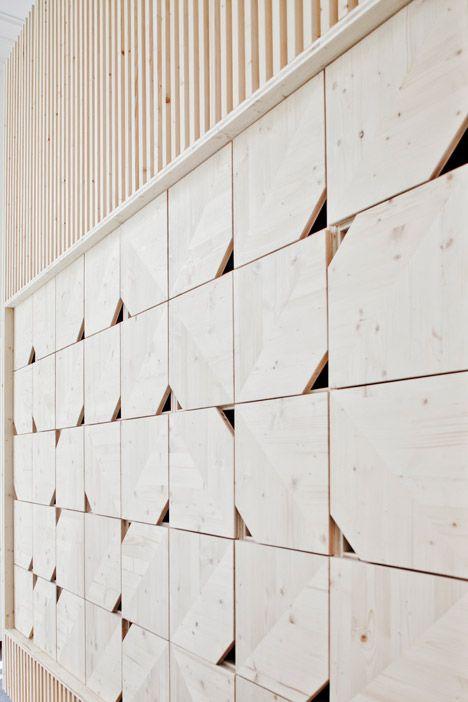 wooden meeting room | ekimetrics office renovation by estelle vincent.