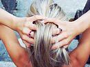 laj-shop | Bijoux Bague argent, quartz, bijoux femme, vente en ligne, silver jewelry, pyramid ring, bague pyramide, rose, pink, e-shop, bijoux femme, photo-shoot, woman, femme, blonde.