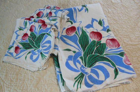 Vintage State of Minnesota Tablecloth and 4 napkins  1950's