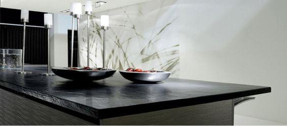 Gestalten Sie Ihre Küche mit einer schönen Arbeitsplatte aus Schiefer. Vor allem eignet sich dieser Naturstein, wenn der Rest der Küche hell ist, da kommen die Schiefer Arbeitsplatten richtig zur Geltung. http://www.schiefer-deutschland.com/schiefer-arbeitsplatten-natuerliche-schiefer-arbeitsplatten