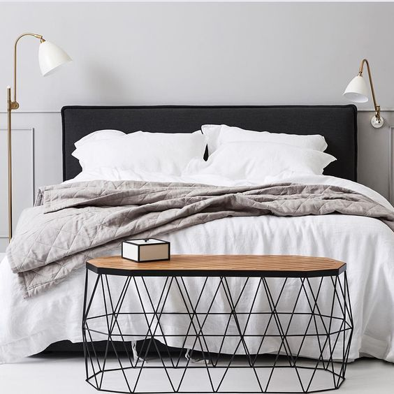 S U N D A Y S L E E P I N Anyone Else Love White Linen Cool Classic Simplicity A Charcoal Bedhead Interior Design Interior Design Studio Home Bedroom