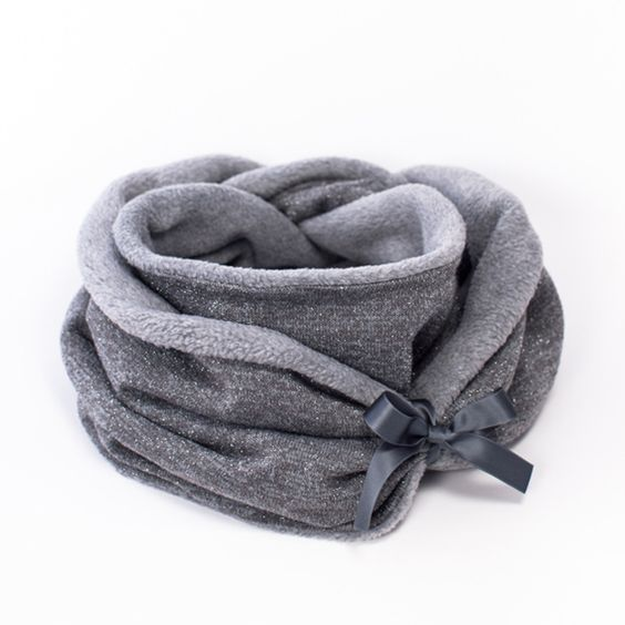 Glitzer ist meine Lieblingsfarbe! Loopschal aus Glitzer Strick und kuscheligem Fleece für die kalten Tage! von zweimalB.de