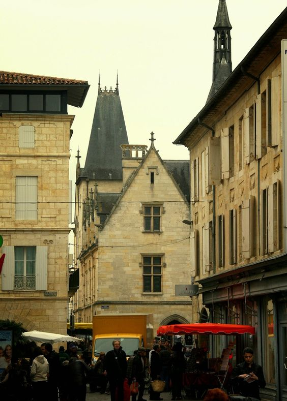 American Mom in Bordeaux: Discovering The Libourne Market & Connecting with ...