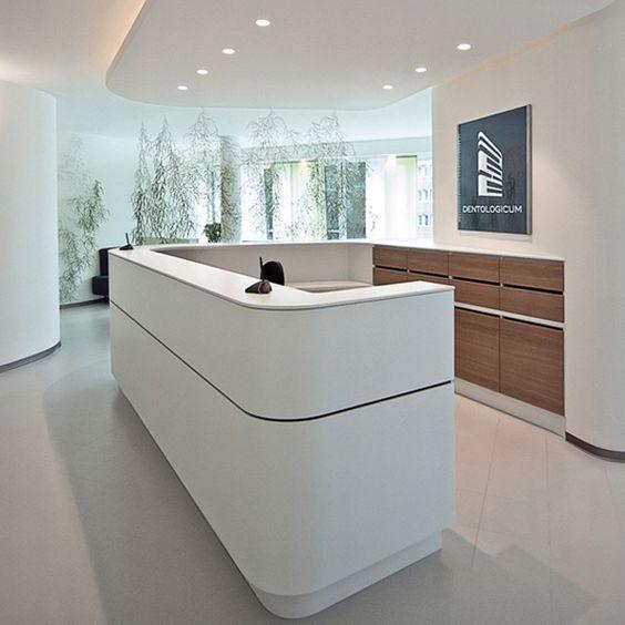 Elegant und extravagant – Empfangsbereiche einer Zahnklinik in Hamburg