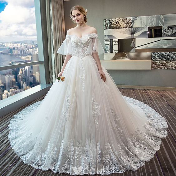 Beautiful Ivory Wedding Dresses 2018 Ball Gown Off-The-Shoulder