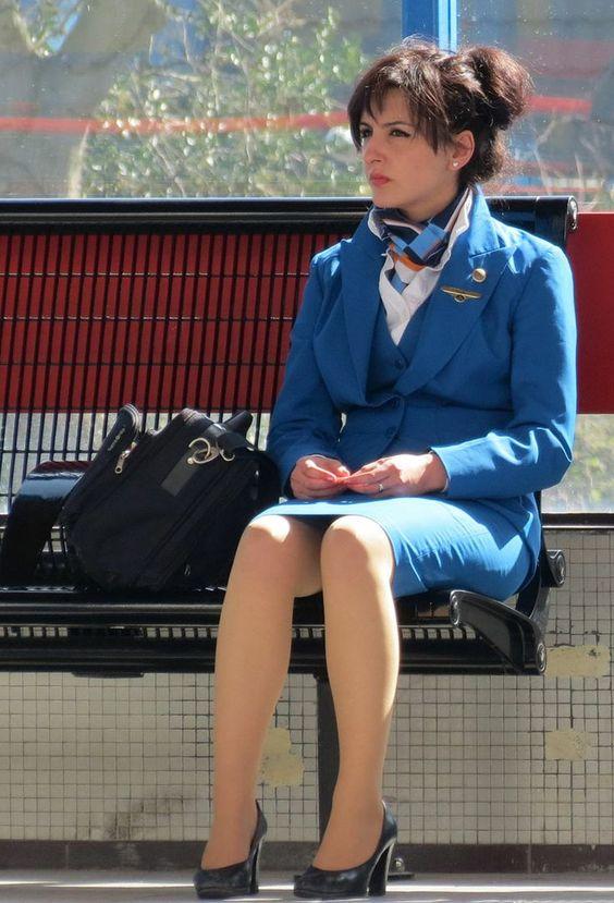 Resultado de imagem para flight attendant waiting