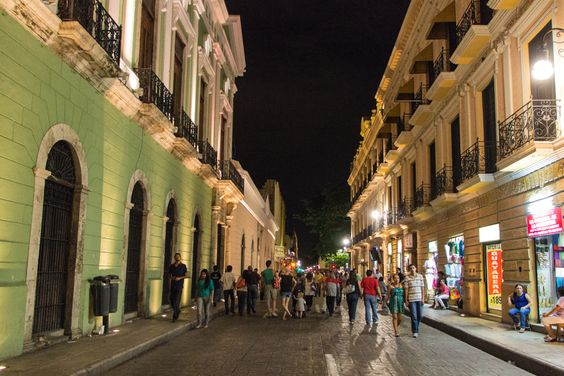 Main Street of Merida, closed for traffic on the weekends