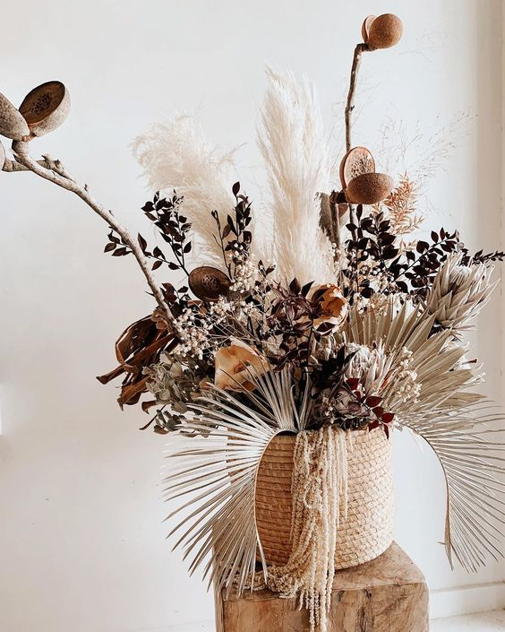 Nikau Store Flowerbar On Instagram N E U T R A L Pods Palms Protea Chocolate Rusc Dried Flower Arrangements Dried Flower Bouquet Flower Arrangements