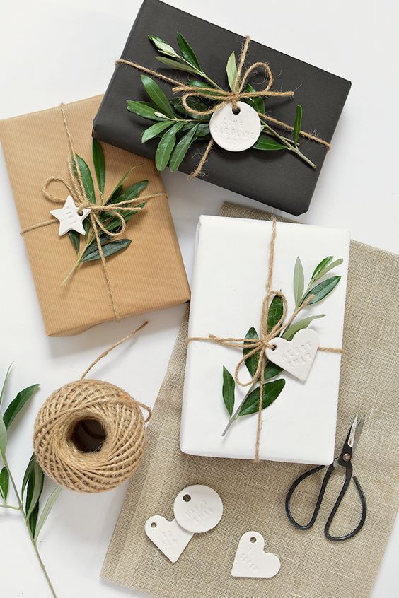 Etiquetas de regalo de Noel Hacen usted mismo estilo Minimalista de Clay Auto-White