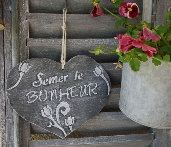 """Ardoise en forme de coeur """"Semer le Bonheur"""" : Accessoires de maison par la-cage-a-deco"""
