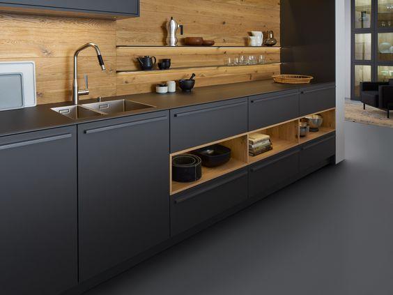 Weiße, zeitlose ewe Küche (c) Küchenstudio Laserer Echte - preisliste nobilia küchen