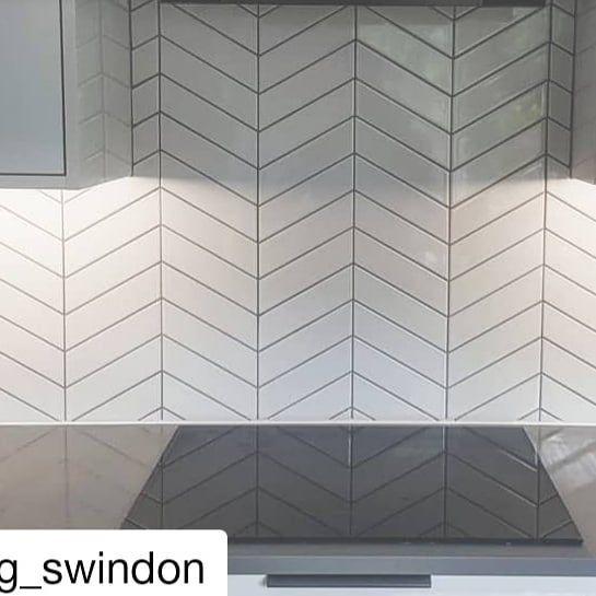 Chevron White Gloss Left Wall Tiles Tileflair Chevron Tiles Kitchen Kitchen Redesign Wall Tiles