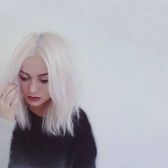Cheveux blancs jeune - 25 jolies façons de porter les cheveux blancs - Elle