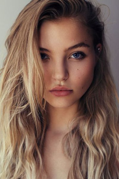20 Messy-Chic Casual Hairstyles   Daily Makeover