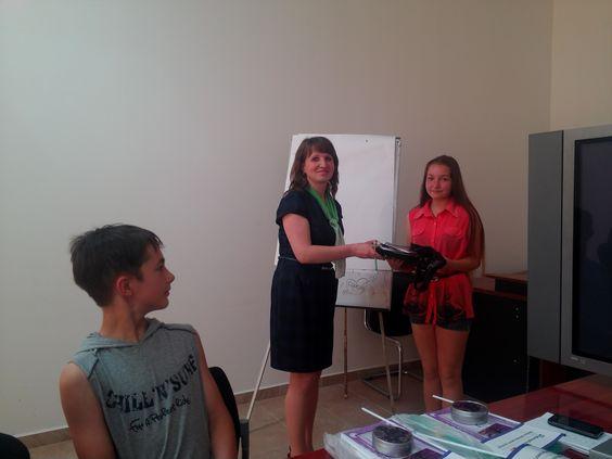 Ужгородські школярі отримали дипломи БізнесШколи - http://mukachevo.today/uzhgorodski-shkolyari-otrimali-diplomi-biznesshkoli/