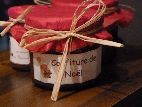 Hop, je fais remonter une recette tester l'an dernier au moment des fêtes. C'est une véritable réussite cette confiture, des saveurs d'orange, de cannelle, bref, de Noël quoi ! En plus elle se marie aussi bien sur les tartines, qu'en accompagnement de...