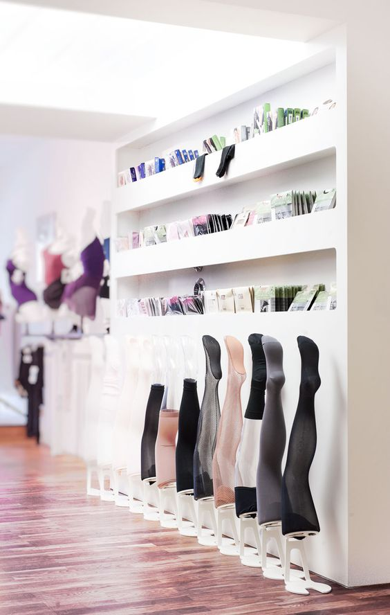 holger jahns hacke und spitze retail store for dancing gear springs retail shop pinterest. Black Bedroom Furniture Sets. Home Design Ideas