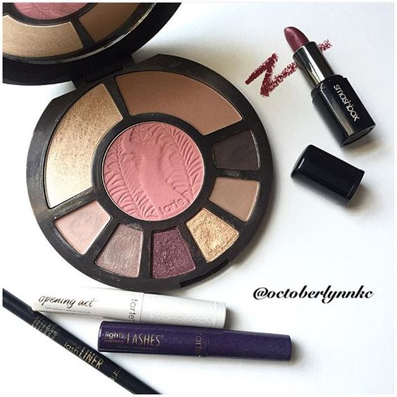 My Tarte picks of the day are also my #aileronsfallbeautychallenge Berry and Gold picks. Overall I really enjoy the Tarte Rainforest After Dark palette with the exception of a few of the lighter eyeshadows. Every time I create a berry and gold eye look with these shades I get compliments. A great all in one palette. #octoberbeautychallenge #octoberlynnkc #motd #tartepicksoftheday