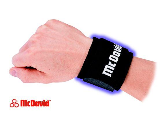 Handgelenkbandage 452 (Level 1) sorgt für Halt, Wärme und Kompression :: http://www.reviwell.at/de/fitness/fitness-mcdavid/handgelenkbandage-452-level-1.html