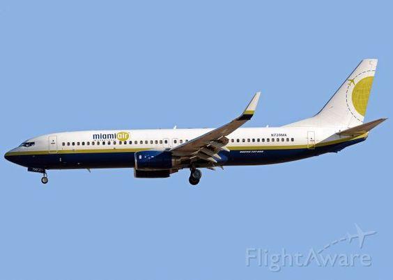 BSK Boeing 737-800 (N739MA)