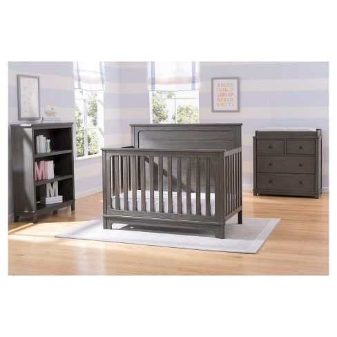 The Monterey 4 In 1 Convertible Baby Crib From Simmons Kids Slumbertime Makes It Easy To Create A Farmhouse Styl Farmhouse Style Nursery Convertible Crib Cribs