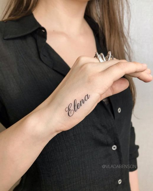 Pin En Tatuaje De Nombre En La Mano